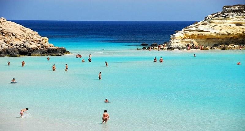 Spiaggia-dei-Conigli_